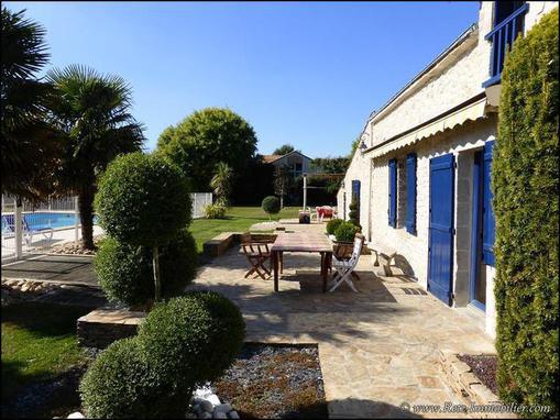 A vendre propriete maison longere hectare piscine ecurie for Piscine orvault