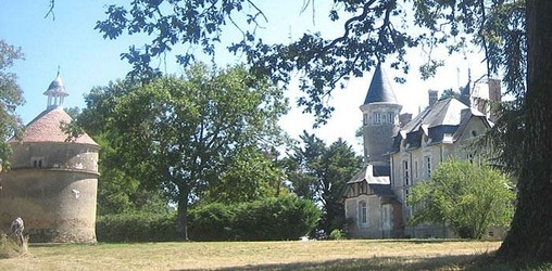 france vendee loire valley atlantic coast west french property house manor lodge castle for sale swimming pool tennis golf hectare acre real estate agency propriete manoir chateau ferme farm a vendre